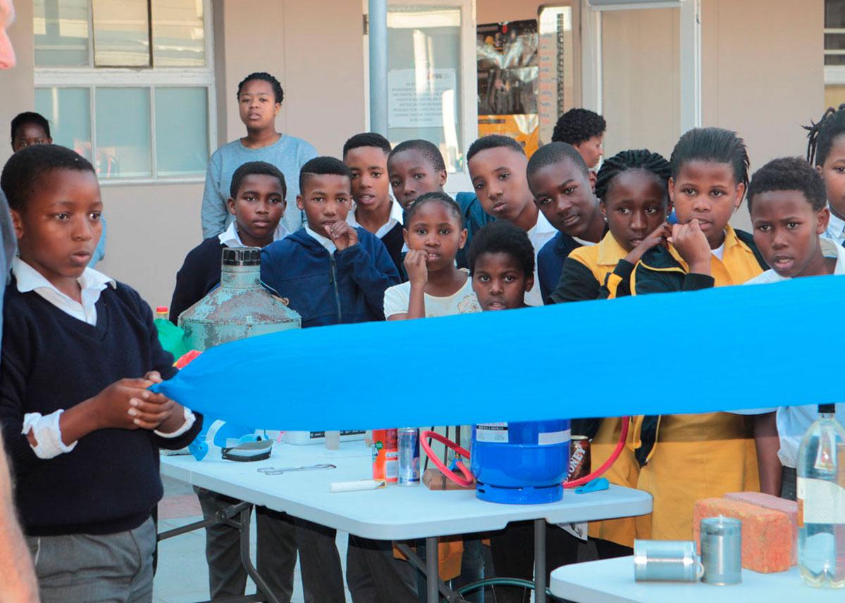 Science-Book-Event-at-Molo-Mhlaba-School-in-Khayelitsha02